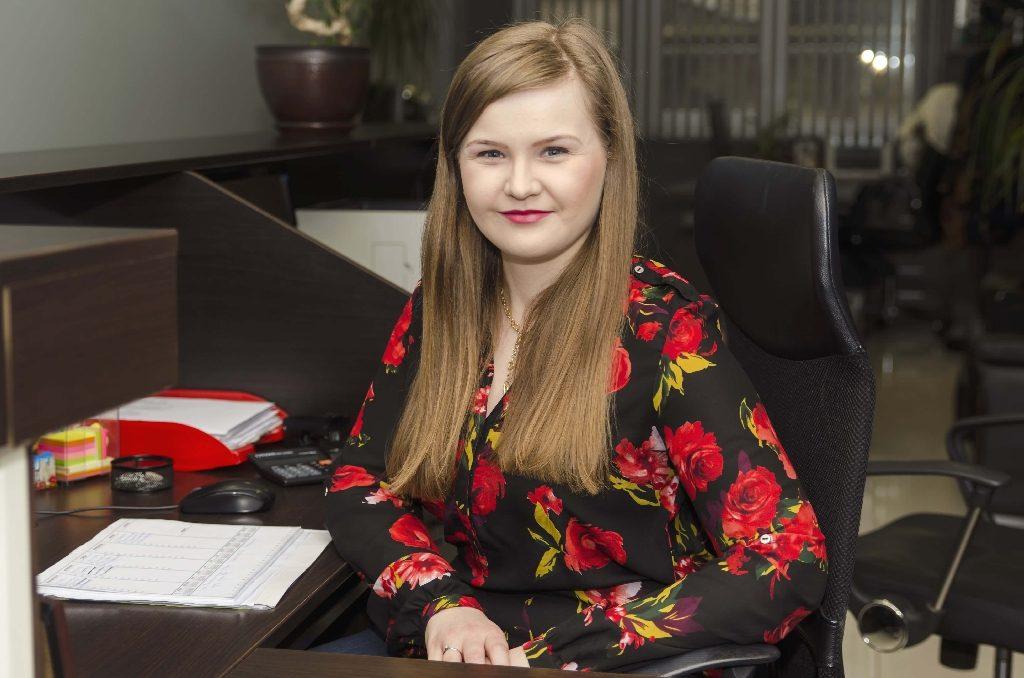 М. Маринова - Главен счетоводител - Komarov Consult
